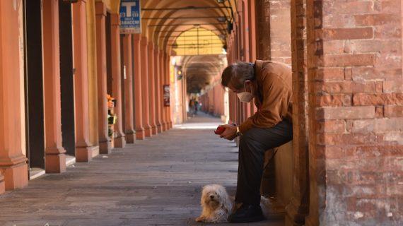 Foto racconto 2: Bologna resiste in quarantena
