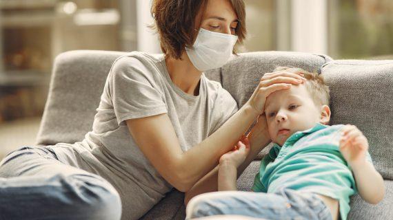 Coronavirus e genitori separati, alcuni tribunali consentono visite ai figli