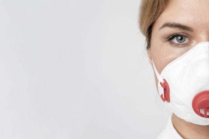 Mascherina e moda: da dispositivo di protezione a capo di abbigliamento
