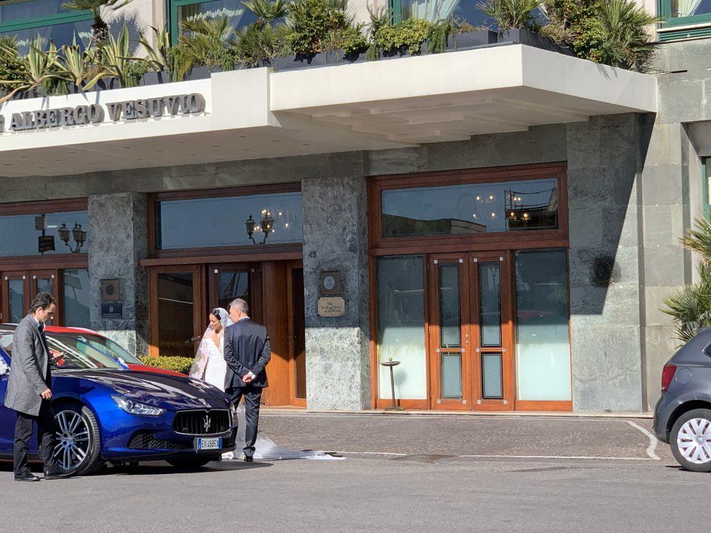 Grand Hotel Vesuvio a Via Caracciolo