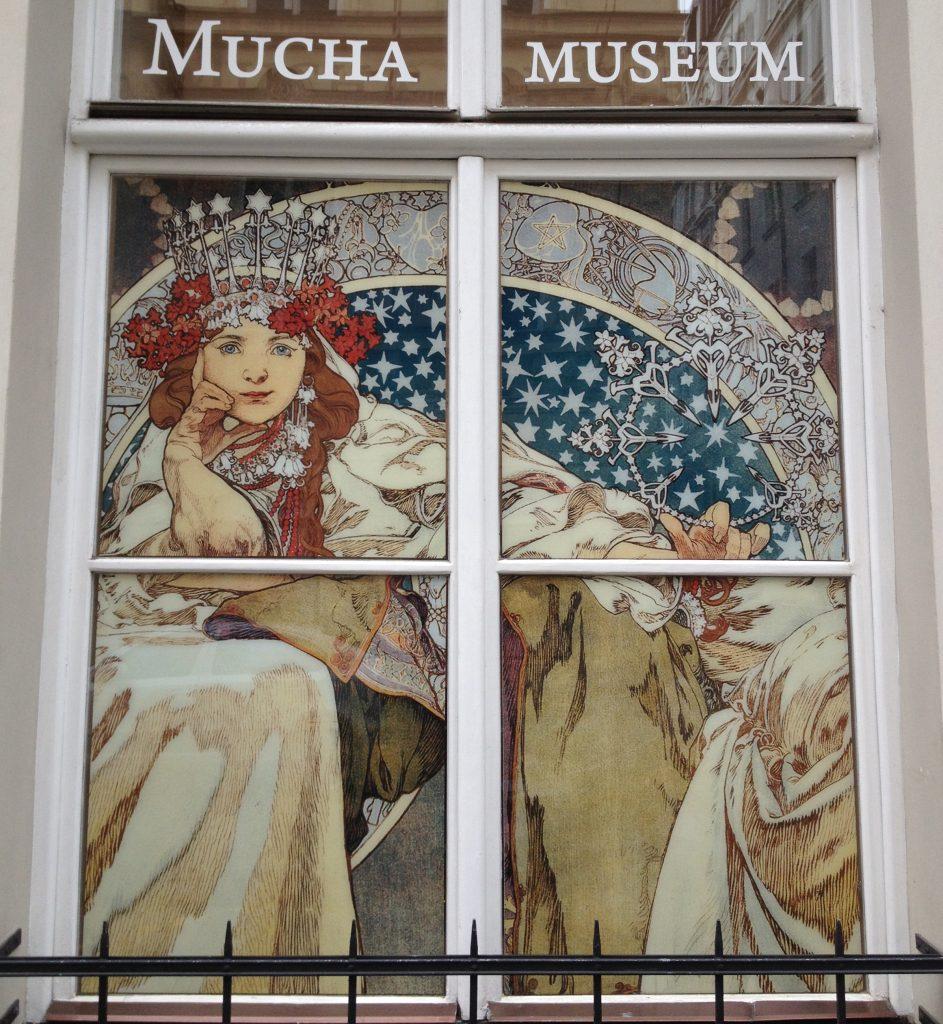 foto Mywhere la rosa nell arte Art Nouveau Mucha