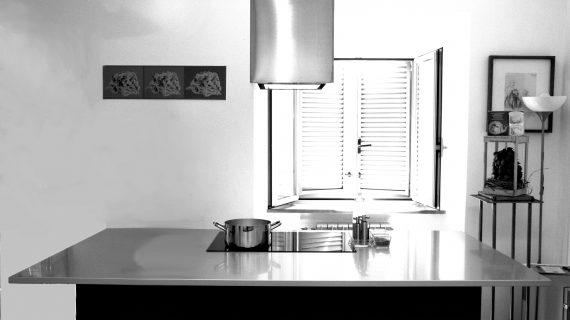 Nelle cucine spopola l'isola: scopriamo quest'interessante elemento d'arredo
