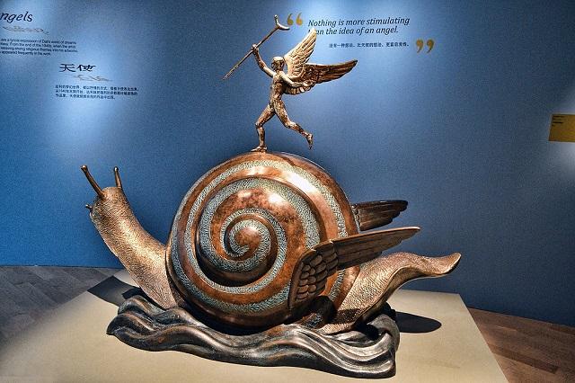 la lumaca incontra l'arte-Dalì