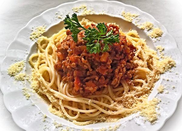 Gli spaghetti alla bolognese non esistono a Bologna