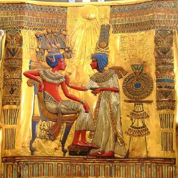 trono Tutankhamon foglia d'oro mywhere