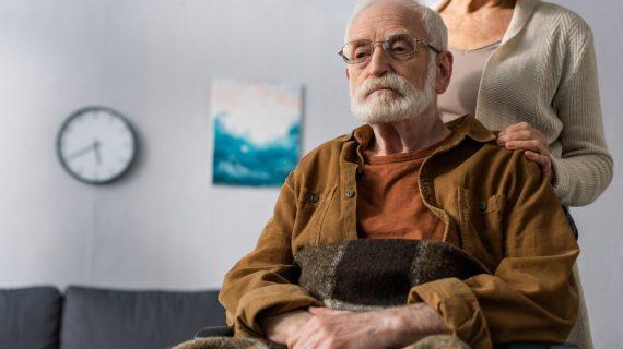 La gestione domiciliare di un anziano: i consigli per risparmiare
