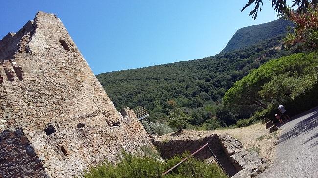 mura rocca Scarlino