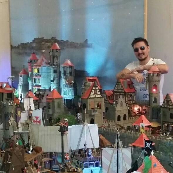 Il fantasmagorico mondo di Playmobil raccontato dal pluricampione Alfonso Lionelli