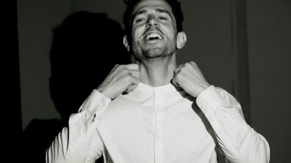 Franco Toro, l'uomo più bello del mondo: intervista all'autore Dario Neron
