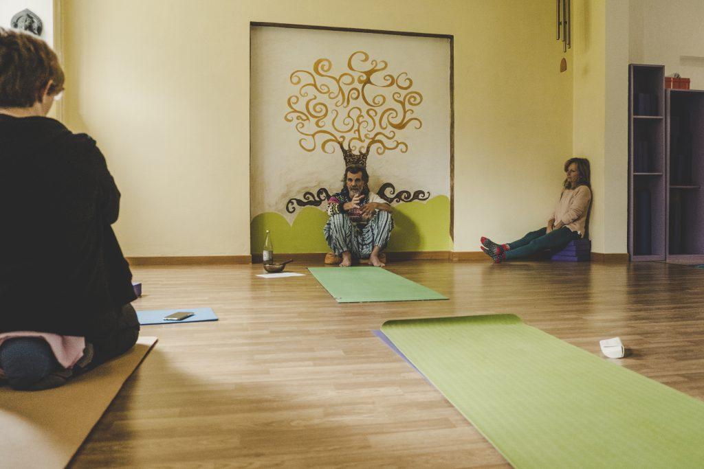 ottobre olistico yoga