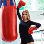 La donna e la boxe: tirare pugni senza perdere fascino