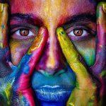 Arteterapia olistica: come sentirsi bene attraverso la creatività