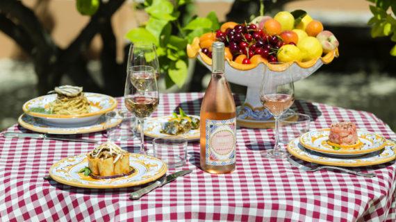 Dolce & Gabbana e Donnafugata: in primavera si beve col colore Rosa assaporando il profumo di Sicilia