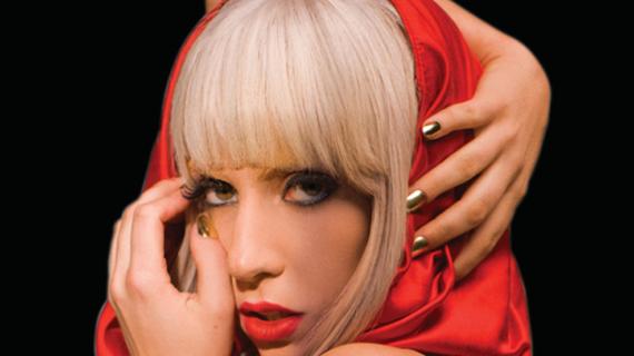 I 35 anni di Lady Gaga, l'icona degli emarginati che ha il pop in mano