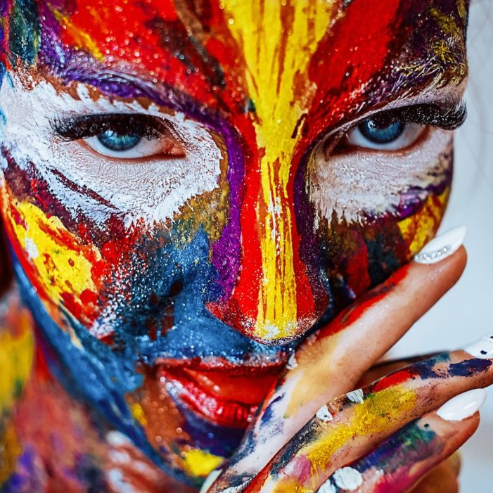 Femminilità e creatività: La donna e il connubio perfetto