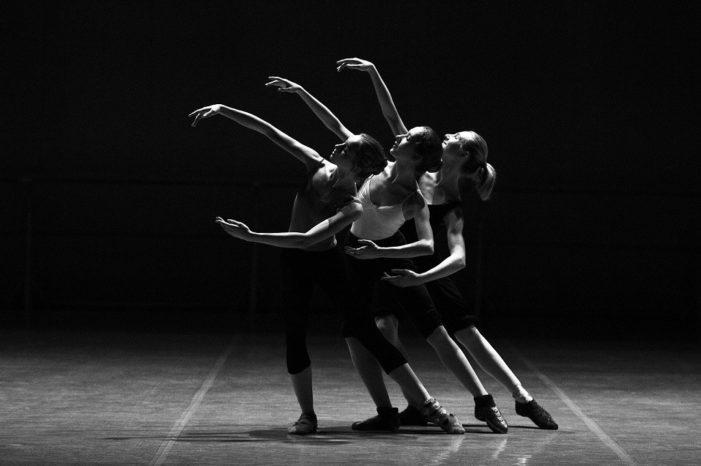 Giornata Mondiale della Danza 2021: il mondo della danza è in trappola?