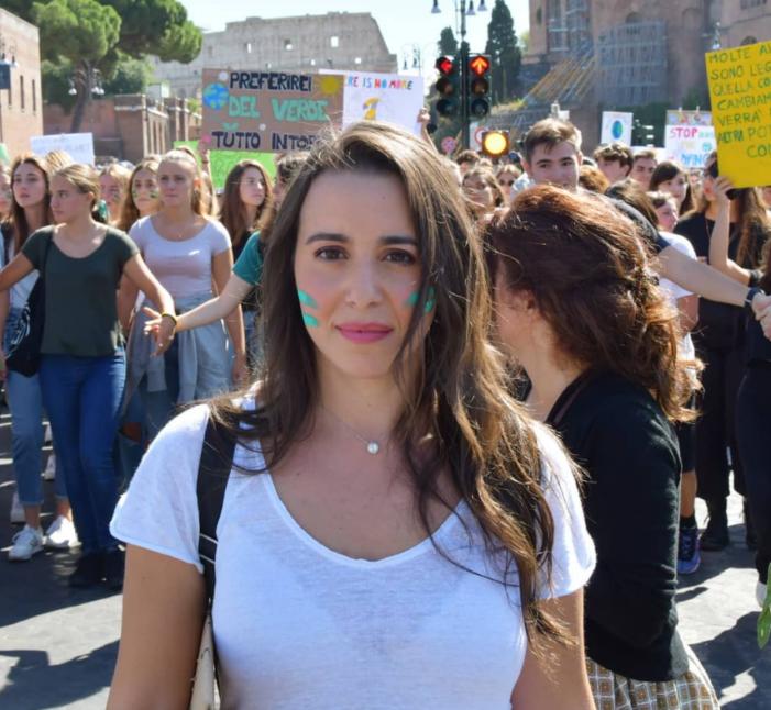 """Fridays for Future, Federica Gasbarro: """"Quella contro i cambiamenti climatici è la battaglia della mia generazione"""""""