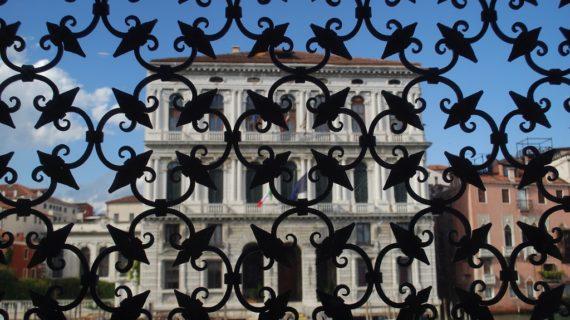 Celebrare il primo weekend di aperture visitando Peggy Guggenheim Collection