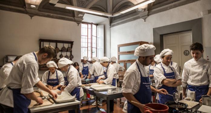 Ricette di Famiglia: ad Artigianato e Palazzo i direttori dei musei passano ai… fornelli