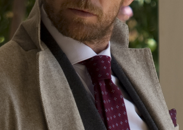 Come indossare la cravatta: gli errori da evitare