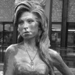 Al cospetto della Amy Winehouse di Camden Town nel giorno del suo compleanno